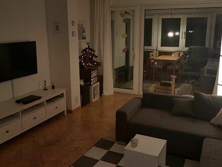 Große 3-Zimmer-Wohnung Nähe Telekom und Rhein | Spacious 3-room apartment close to Telekom and river Rhine