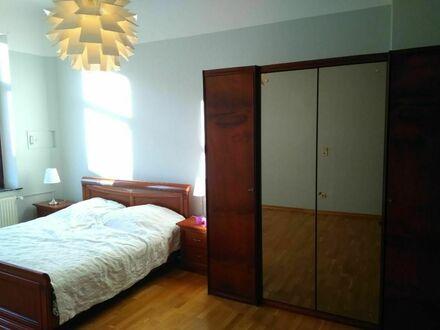 Herrliche Wohnung mit Wintergarten und Balkon in repräsentativer Kaufmannsvilla in Top Lage | Magnificent apartment in representative…