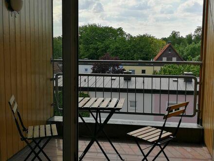 Lichtdurchflutete Galeriewohnung in zentraler Lage | Spacious apartment in central location
