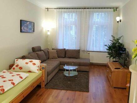 Voll möblierte Wohnung nähe Straßenbahn zum Zentrum und Messegelände | Full furnished apartment not far from tram to the…