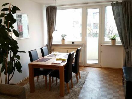 Helle Wohnung mit Südbalkon in St. Johannis | Flat with balkony in St. Johannis