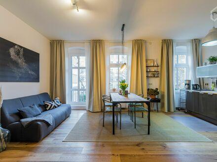 Ruhige frisch renovierte 3-Zi Altbauwohnung im Zentrum von Friedrichshain | Quiet newly renovated 3 room apartment in the…