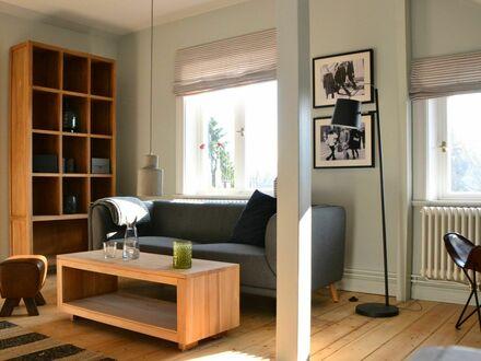 3 Zimmer Dachgeschoß Wohnung in Blankenese/ Altona | 3 room penthouse, 60 qm in Blankenese/ Altona