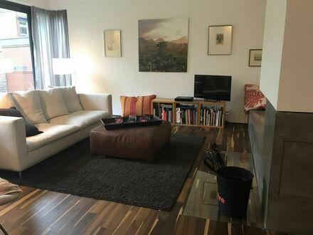 Architektenhaus 175 qm in den Elbvororten, wenige Minuten zu Parks, Restaurants, Cafés, Shopping | Architect designed 175…
