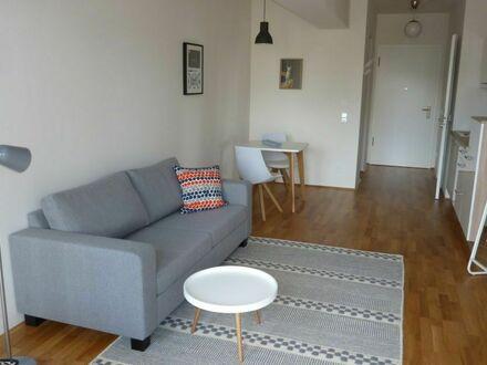 Ruhige, liebevoll eingerichtete Wohnung, Stadtmitte | Quiet, lovingly furnished apartment, downtown