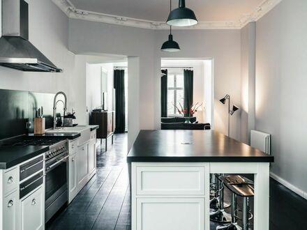 Elegante Altbauwohnung im attraktiven Bergmannkiez mit 2 Balkon 170 qm2 inkl Reinigung | Elegant old building apartment in…