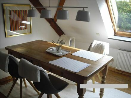Neu renovierte Wohnung im Grünen (Haan) mit guter Anbindung nach Düsseldorf, Köln und Wuppertal | Newly renovated studio…