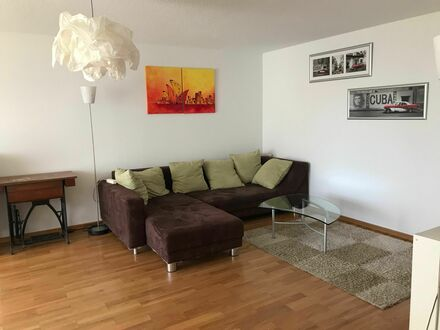 Helle, möblierte 2.5 Zimmer Wohnung in ruhiger Lage, befristet | Bright, furnished 2.5-room apartment in quiet neighborhood