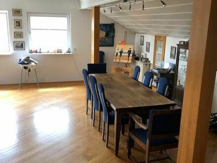 Große Wohnung mit Blick aufs Gebirge | Spacious apartment with mountain view