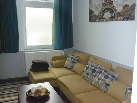 KÖLN-MÜLHEIM Helle und schicke Wohnung in Rheinnähe | Spacious and quiet apartment - great view!