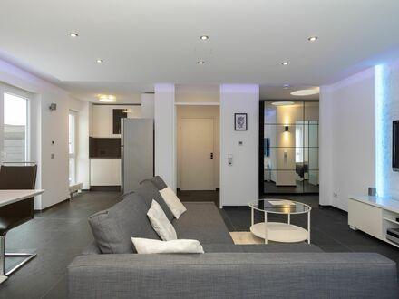 Exklusive vollmöblierte 2,5-Zimmer-Dachterrassenwohnung mit EBK und Lift Garage in Ruit | Exclusive fully furnished 2.5-room…