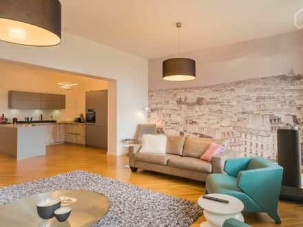 Grosszügiges Loft style 3- Bettraum Apartment am Kurfürstendamm | Loft style 3 bedroom apartment in Berlin West