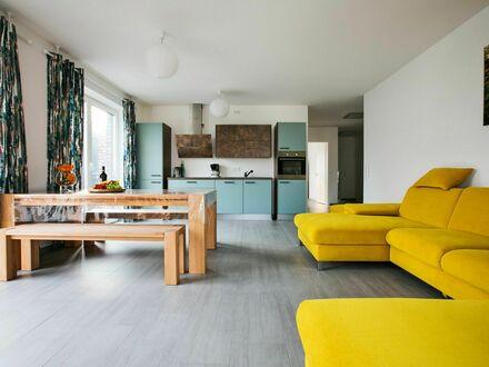 Moderne stylische Wohnung mit großer Terrasse | Modern stylish apartment with large terrace