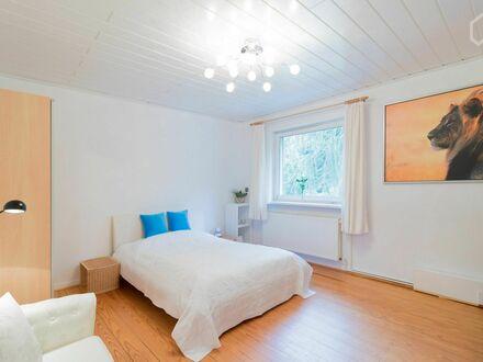 Schönes Haus in Bestlage von Hamburg-Harburg - ruhig, direkt am Wald gelegen mit 25m2 Südbalkon | Beautiful House in prime…
