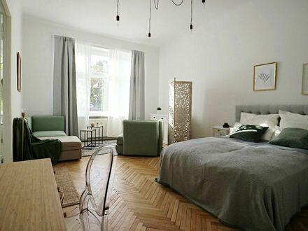 Voll möbliertes Studio in Wilmersdorf mit Aufzug und Balkon | Fully furnished apartment with balcony and elevator