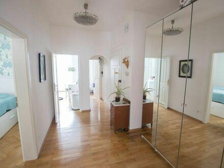 Wunderschöne Wohnung im sanierten Altbau – mitten in München   Charming downtown Munich Apartment with Designer interior