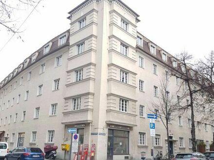 Schöne 3-Zi-Altbauwohnung mit neuer Möblierung in Mü-Schwabing, Kinderbetreuung möglich   Spacious, modern 3-room-suite in…
