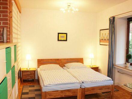 Erstklassige, ruhige Wohnung in Kattenesch, Nähe Links der Weser, Flughafen | First class, quiet apartment in Kattenesch,…