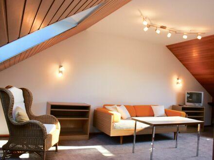 Erstbezug nach Renovierung: Helles Apartment in ruhiger Wohnlage   Bright, newly renovated apartment in quiet residential…
