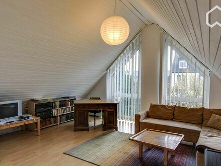 Vollständig möbliertes Reiheneckhaus auf Zeit im Zentrum von Hilden | Completely furnished house in towncenter