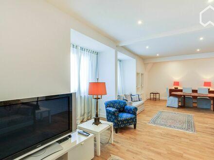 Neu sanierte, geräumige Wohnung mit Villacharme in Frechen bei Köln | Newly renovated, spacious flat with villa charme in…