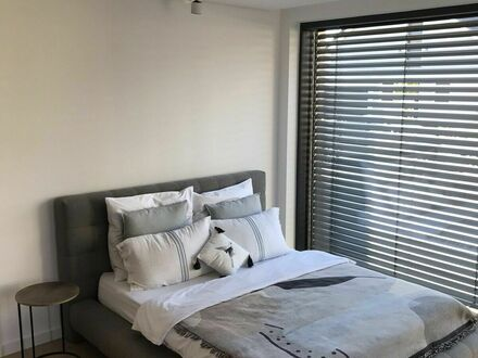 Luxuriöse 1-Zimmer-Wohnung im Erdgeschoss mit exklusiver Ausstattung | Luxurious 1-room apartment on the first floor wi…
