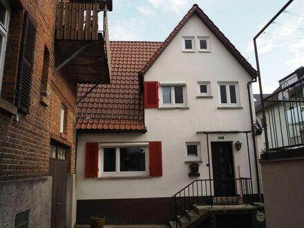 Charmantes kleines Häuschen in der Untertürkheimer Ortsmitte in Stuttgart | Charming little house in the Untertürkheim town…