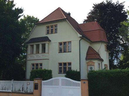 Wunderschöne alte Villa auf Zeit möbliert zu vermieten | Great villa located in Naunhof