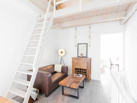 (Triplex) Maisonette Apartment mit Süd-Balkon, wunderschön & liebevoll eingerichtet | Spacious and cozy suite in nice area…