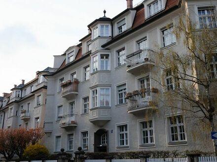 Wunderschöne Altbauwohnung im Herzen Schwabings   Beautiful apartment in the heart of Schwabing