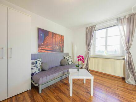 Schöne Wohnung in Leipzig nah zu BMW und Porsche | Nice Flat in Leipzig