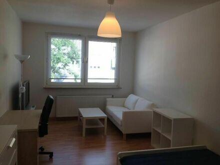 Neuwertig möbliertes, helles und ruhiges 1 Zimmer Apartment in beliebtem Viertel, Düsseldorf | Charming and modern Apartment…