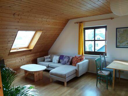 Schöne Dachwohnung mit eigenem Bad und Mini-Küche in Königswinter in Privathaus | Nice Studio with private bath in Königswinter