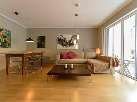 Großzügige, komfortable 2-ZimmerWohnung nahe U-Bahnstation Kolumbusplatz | Spacious, comfortable 2 room apartment, near metro…