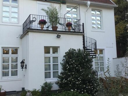 Großzügig geschnittene Wohnung in denkmalgeschütztem Haus , stilvoll antik eingerichtet in Haltern am See | Generously designed…