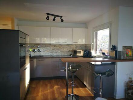 Hochwertige 4,5 Zimmerwohnung mit Parkplatz, Pool und WiFi Stuttgart (Waiblingen) | Exclusive 4,5 rooms apartment with parking,…