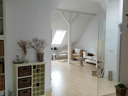 Loftcharakter helle Endetagenwohnung in Jugenstilvilla hohe Decken Winterhude | Loft character bright end floor apartment…
