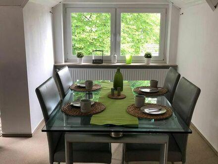 Großzügige & helle Wohnung in alter Jugenstil-Villa | Spacious & bright apartment in old Art Nouveau villa