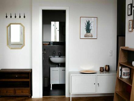 Im Herzen von Bonn - traumhafte möblierte 2 Zimmer-Altbauwohnung | In the heart of Bonn - dreamlike furnished 2 room apartment…