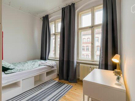 Neu renoviert - 11 Minuten vom Alexander Platz   Newly renovated - 11 minutes from Alexander Platz