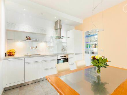 Bestlage am Kurhaus! Exklusiv ausgestattete 2-Zimmer-Wohnung mit Balkon | Best location at the Kurhaus! Beautifully designed…