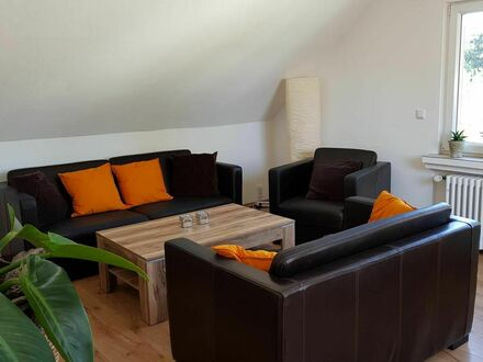 Schöne, sehr helle Dachgeschoßwohnung in Solingen-Ohligs | Perfect, wonderful apartment in Solingen