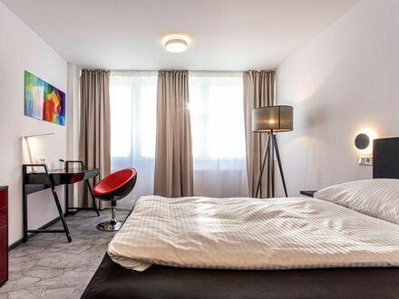 4 Zimmer Apartment neu & super modern möbliert - sehr zentrale City Lage mit großer Küche und schönem Ausblick | 4 bed room…