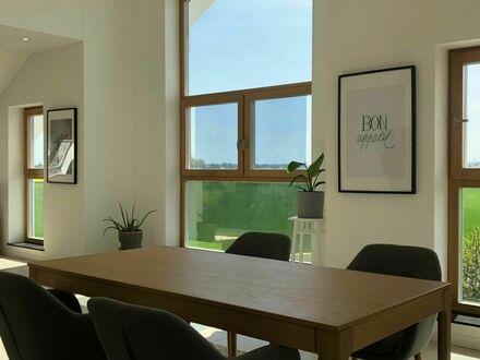 150 qm große exklusive Einliegerwohnung in Neubau-Villa | large studio apartment in a brand-new Villa