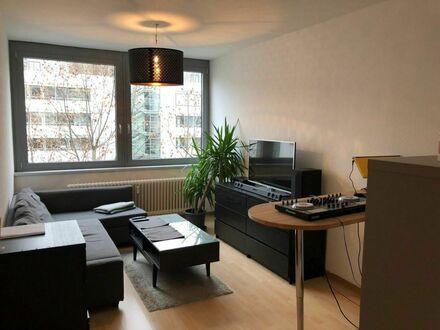 2 Zimmerwohnung, voll ausgestattet, in einer zentralen Lage nahe Rotebühlplatz | 2 room apartment, fully equipped, in a central…