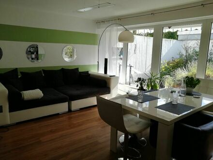 Bungalow mit Rooftop-Pool, Sauna und Terrasse in ruhiger Lage in Hannover | Bungalow with rooftop pool, sauna and terrace…