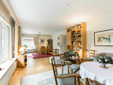 Einfamilienhaus möbliert direkt am Alsterwanderweg | Furnished detached house next to Alster walking trail