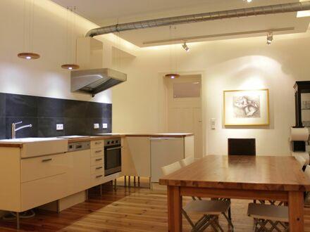 Apartment, 3 Schlafzimmer mit großer Wohnküche, 4. OG, am Tempelhofer Feld | Charming Apartment in Neukölln, close to the…