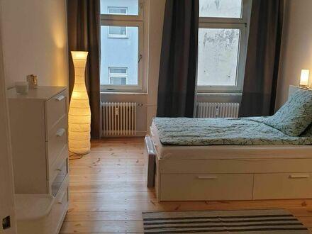 Neu renoviert - 11 Minuten vom Alexander Platz | Newly renovated - 11 minutes from Alexander Platz