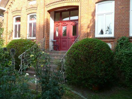 """Wundervolle helle Altbauwohnung im Alten Land   Wonderful bright old style apartment in the """"Alten Land"""""""